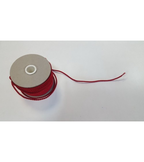 Red spuned string