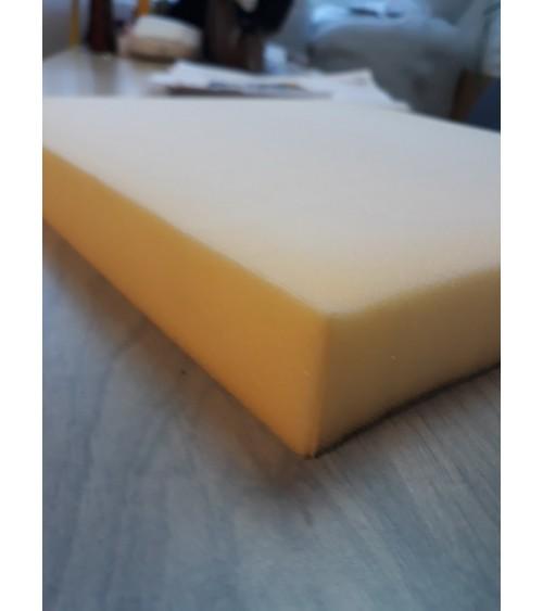 5 cm vastag 30-as, fehér színű szivacs, 140x200x5 cm-es