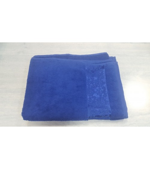 Figured king blue towels