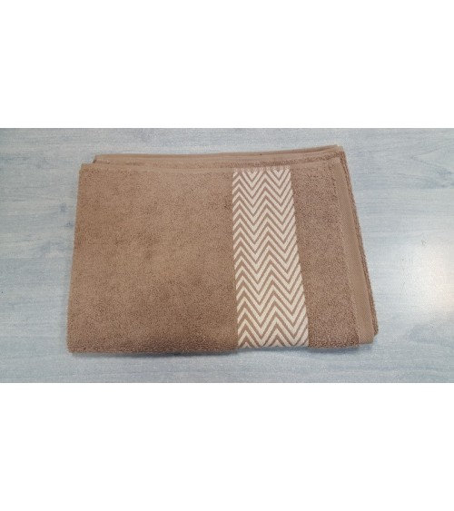 Beige line figured towels