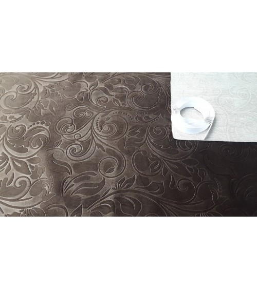 Plush brown wallcover