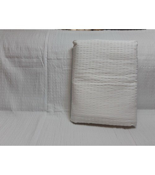 Self-colored crepe double bedding