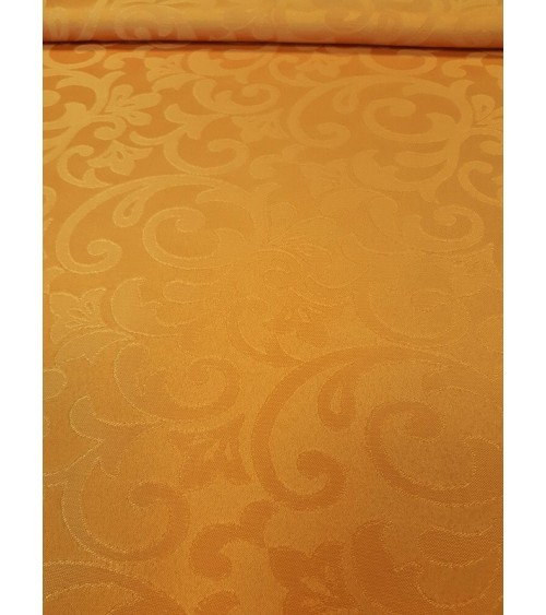 Fehér ferdepánntal szegett teflonos terítő 160x140 cm