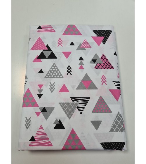 Pink triangle figured bed sheet