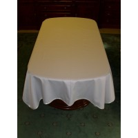 Round cornered table cloth